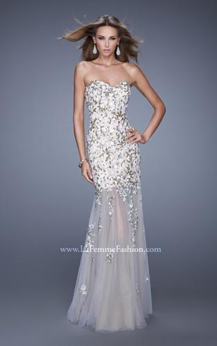 Picture of: Sweetheart Gown with Sheer Tulle Skirt and Lace Detail, Style: 20424, Main Picture