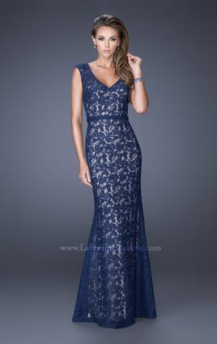 Picture of: Bold Lace Dress with V Neckline and Thin Belt, Style: 20450, Detail Picture 2