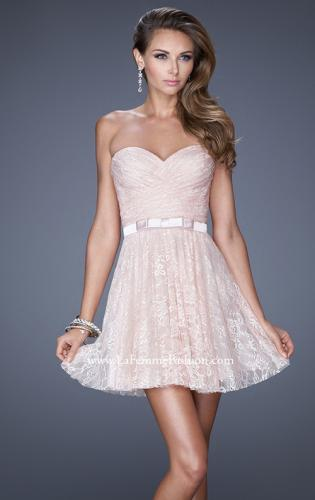 Picture of: Short Dress with Gathered Bodice and Sweetheart Neck, Style: 20531, Main Picture