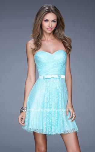 Picture of: Short Dress with Gathered Bodice and Sweetheart Neck, Style: 20531, Detail Picture 1