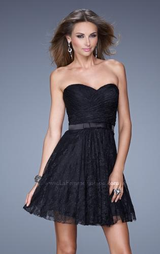 Picture of: Short Dress with Gathered Bodice and Sweetheart Neck, Style: 20531, Detail Picture 2