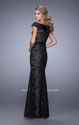 Picture of: Elegant Off the Shoulder Lace Dress with Ruched Belt, Style: 21618, Back Picture