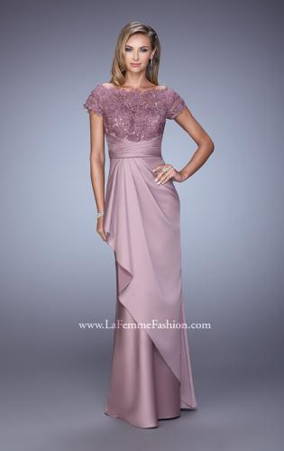 Picture of: Glam Evening Dress with Scoop Neckline and Lace Bodice, Style: 21620, Detail Picture 1