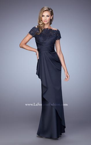 Picture of: Glam Evening Dress with Scoop Neckline and Lace Bodice, Style: 21620, Detail Picture 2