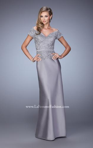 Picture of: Sultry Satin Dress with Off the Shoulder Sleeves, Style: 21726, Detail Picture 2