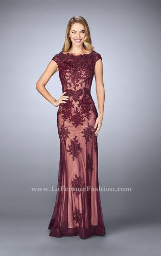 Picture of: Lace Mermaid Prom Dress with Scalloped Neckline, Style: 23059, Detail Picture 1