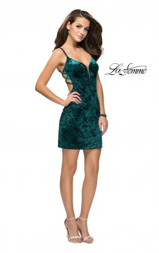Picture of: Crushed Velvet Short Dress with Sweetheart Neckline, Style: 26636, Detail Picture 2