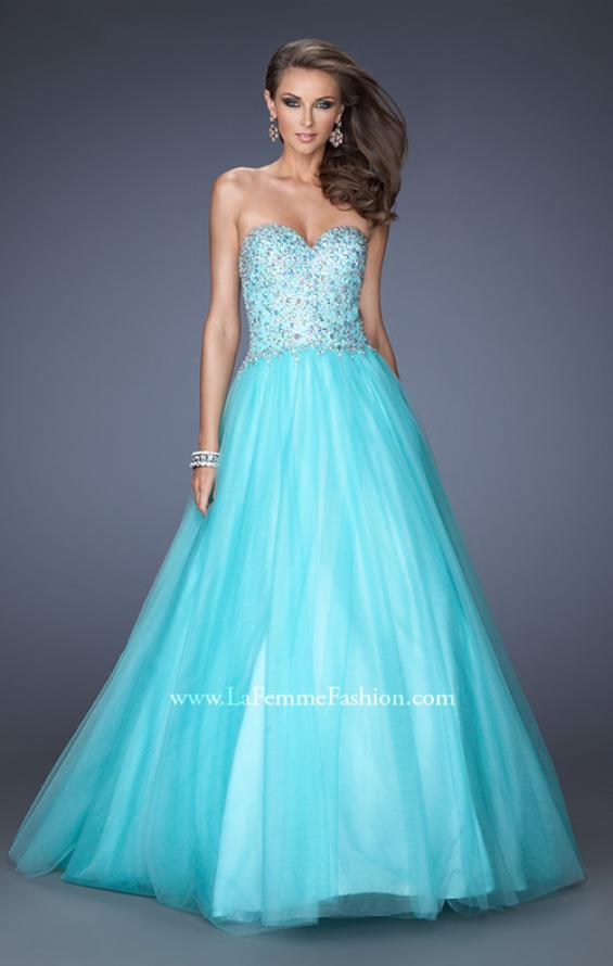 Picture of: Ball Gown with Full Tulle Skirt and Sweetheart Neckline in Blue, Style: 19940, Main Picture