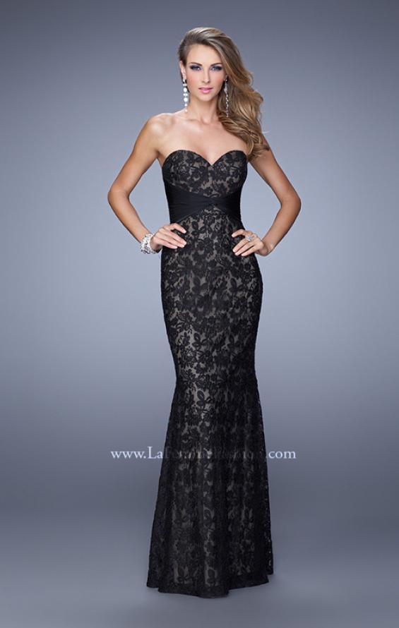 Picture of: Lace Sweetheart Neckline Gown with Criss Cross Back in Black, Style: 20440, Detail Picture 2