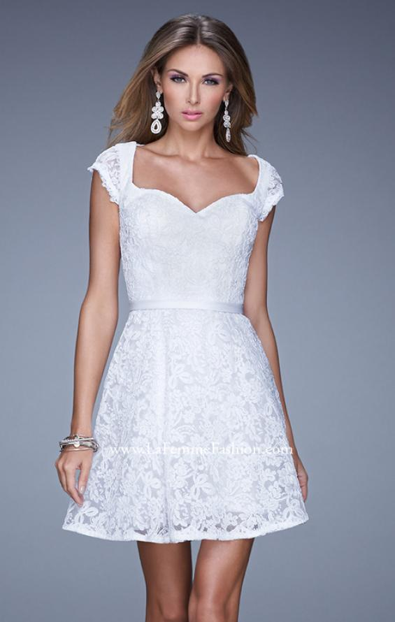Picture of: Sheer Cap Sleeve Lace Cocktail Dress with Thin Belt in White, Style: 20699, Detail Picture 4