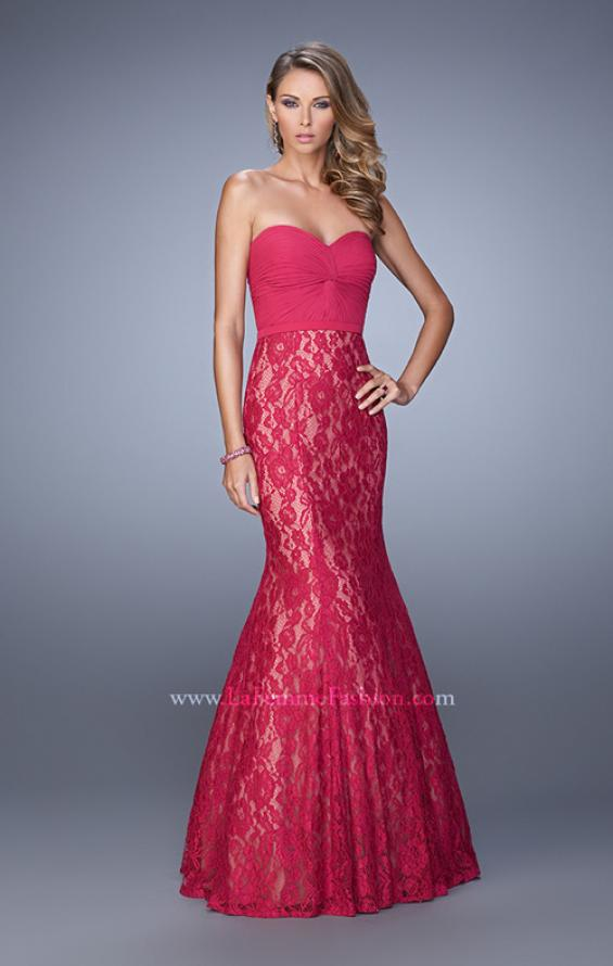 Picture of: Lace Mermaid Gown with Twisted Knot Detail in Red, Style: 21046, Detail Picture 1