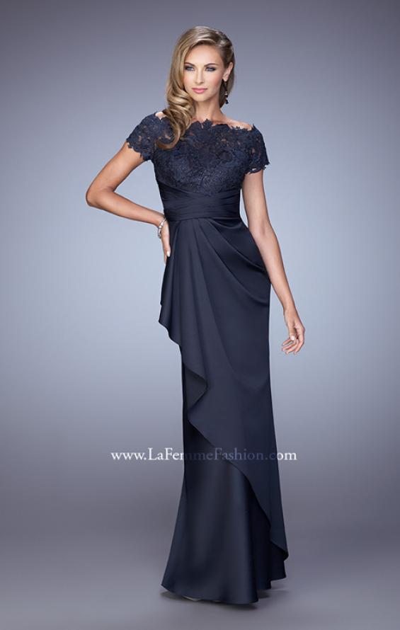 Picture of: Glam Evening Dress with Scoop Neckline and Lace Bodice in Navy, Style: 21620, Detail Picture 2