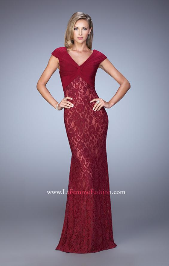 Picture of: Unique Lace Dress with Cap Sleeves and Ruching, Style: 21681, Detail Picture 2