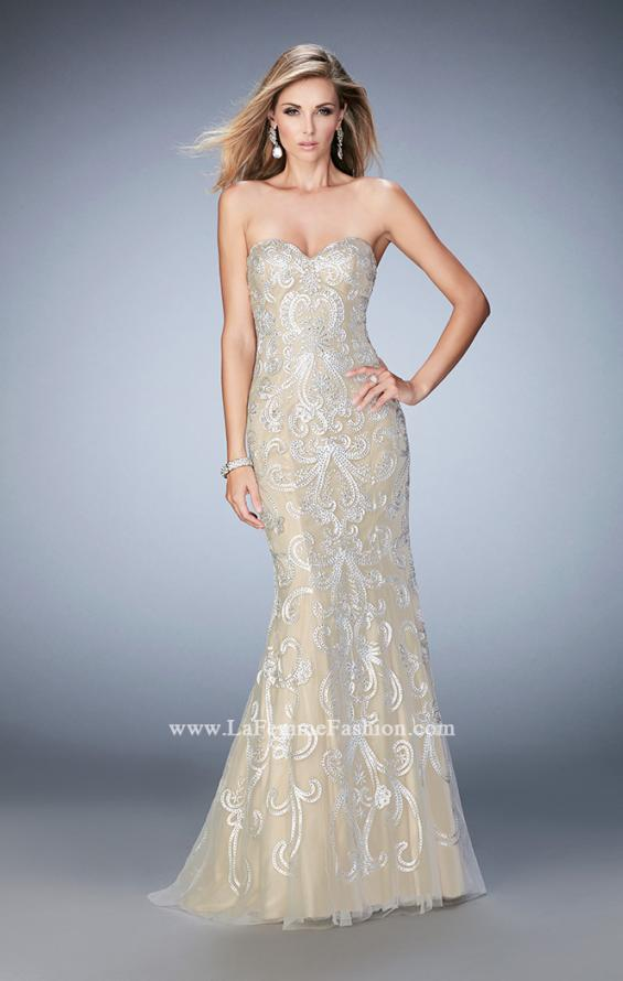 Picture of: Embroidered Prom Gown with Sweetheart Neck and Train in White, Style: 22931, Main Picture