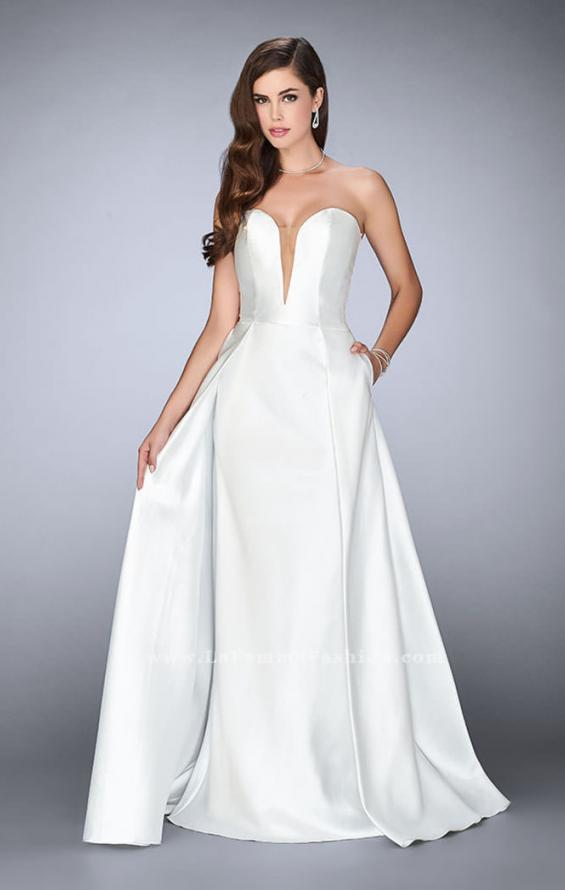 Picture of: Long Cape Dress with a Deep Sweetheart Neckline in White, Style: 24467, Detail Picture 3