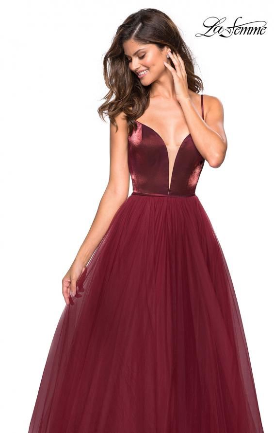 Picture of: Tulle evening Gown with Satin Bust and V Shaped Back in Burgundy, Style: 27485, Detail Picture 4
