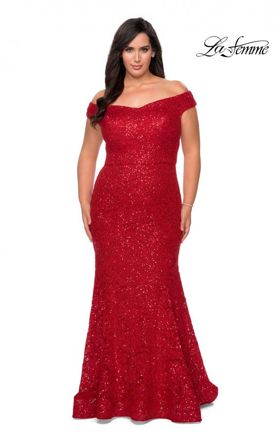 Picture of: Off the Shoulder Lace Plus Dress with Defined Waist in Red, Style: 28883, Detail Picture 2