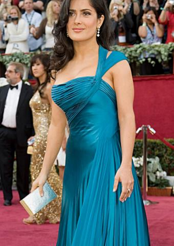 Salma Hayak in La Femme Style 12158 at the 2006 Oscars