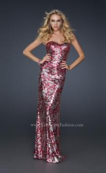 Picture of: Form Fitting Sequin Dress with Sweetheart Neckline in Pink, Style: 17480, Main Picture