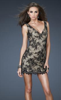 Picture of: V Neck Lace Cocktail Dress with Scalloped Hem in Black, Style: 17728, Main Picture