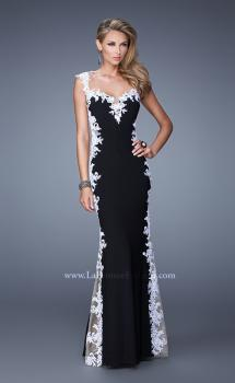 Picture of: Long Jersey Dress with Lace and Small Cap Sleeves in Black White, Style: 20895, Main Picture